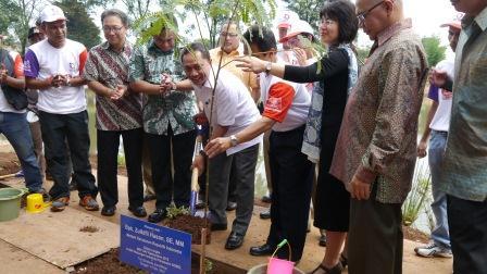 企業による植林活動.jpg